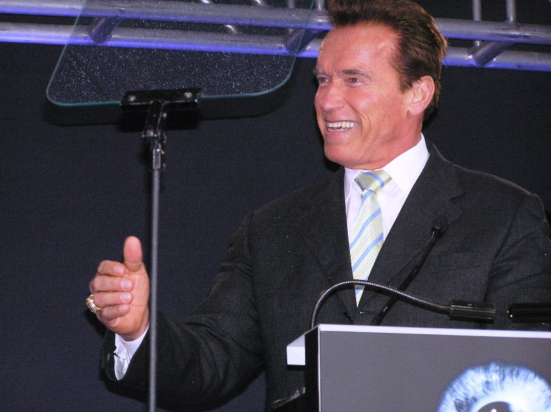 Gov. Schwarzenegger promises to keep California at the leading edge of technology while ribbing Gov. Richardson.